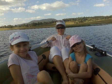 csónakázunk